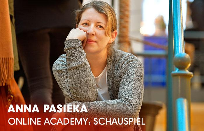 Die Dozentin Anna Pasieka lehrt an der Artrium Schauspielschule Hamburg das Fach Schauspiel