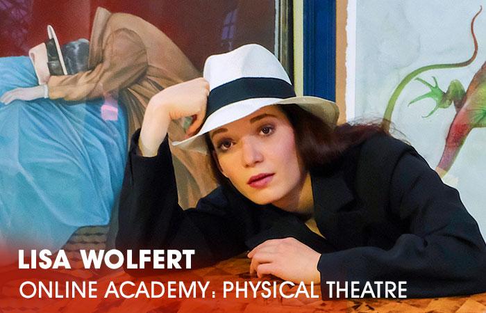 Die Dozentin Lisa Wolfert lehrt an der Artrium Schauspielschule Hamburg das Fach Physical Theatre