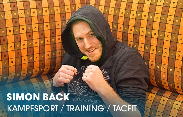 Der Dozent Simon Back lehrt an der Artrium Schauspielschule Hamburg das Fach Kampfsport: Training / TacFit / Kampfsportzenen